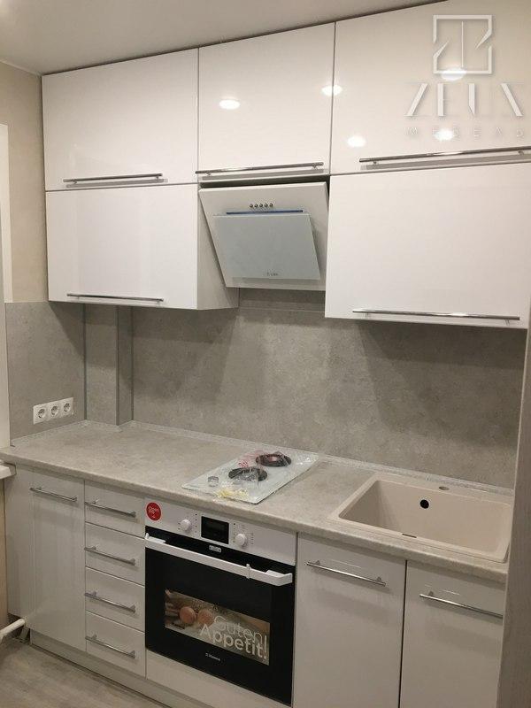 Кухня на заказ белая нейтральная