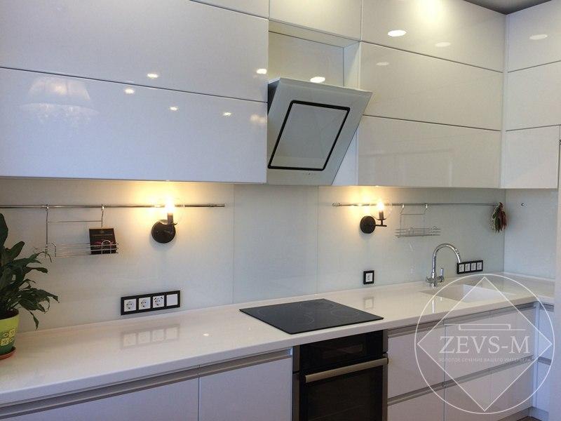 Кухня в белом цвете на заказ в Архангельске