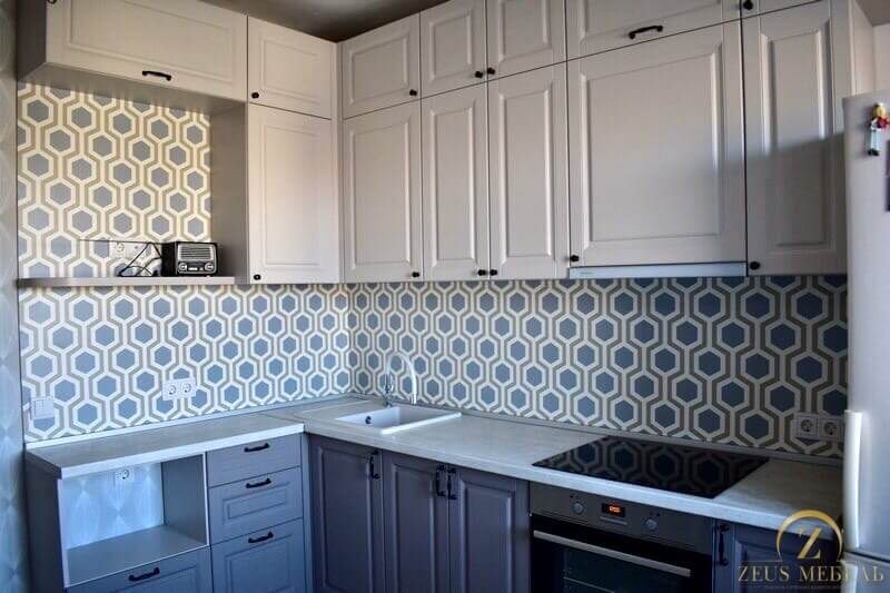 Кухня на заказ в Архангельске - двухцветная классика