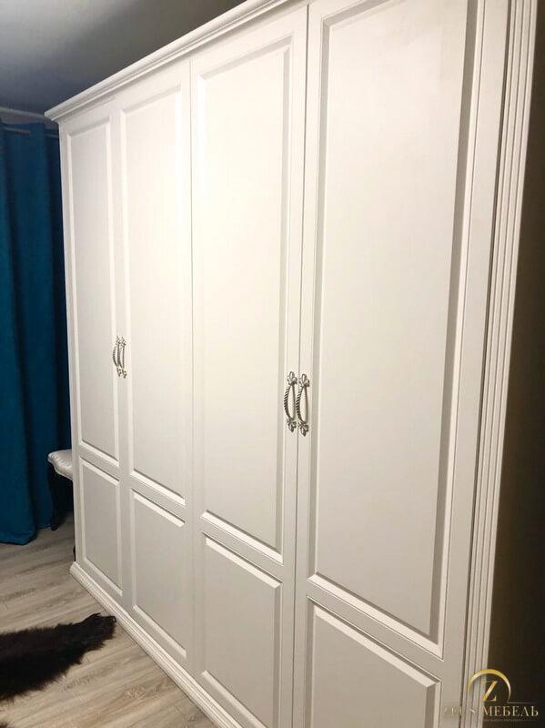Распашной шкаф в спальню г. Архангельск ул. Амосово